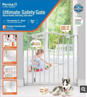 Perma Child Safety White Ultimate Safety Gate in white