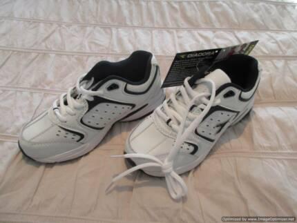 Diadora Shoes - Size 2 NEW