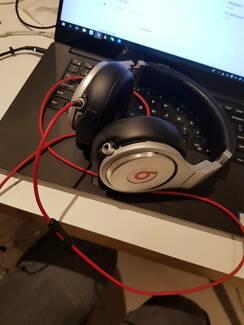 Beats Pro Over-Ear Headphones (White/ Silver)