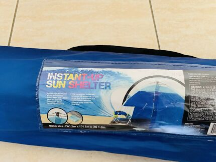 Instant up sun shelter in very good condition