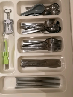 Cutlery (spoons forks knives chopsticks etc?