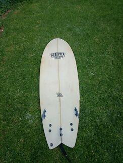 Strapper Surfboard 6&#x27 2 Fish