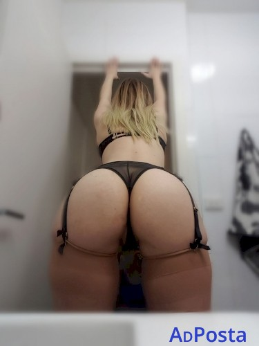 21YO AUSSIE BLONDE Violet – Big Natural F CUP BOOBS, Long Blonde Hair, TIGHT and WET